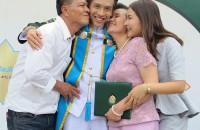 ภาพครอบครัวน่ารัก อบอุ่น