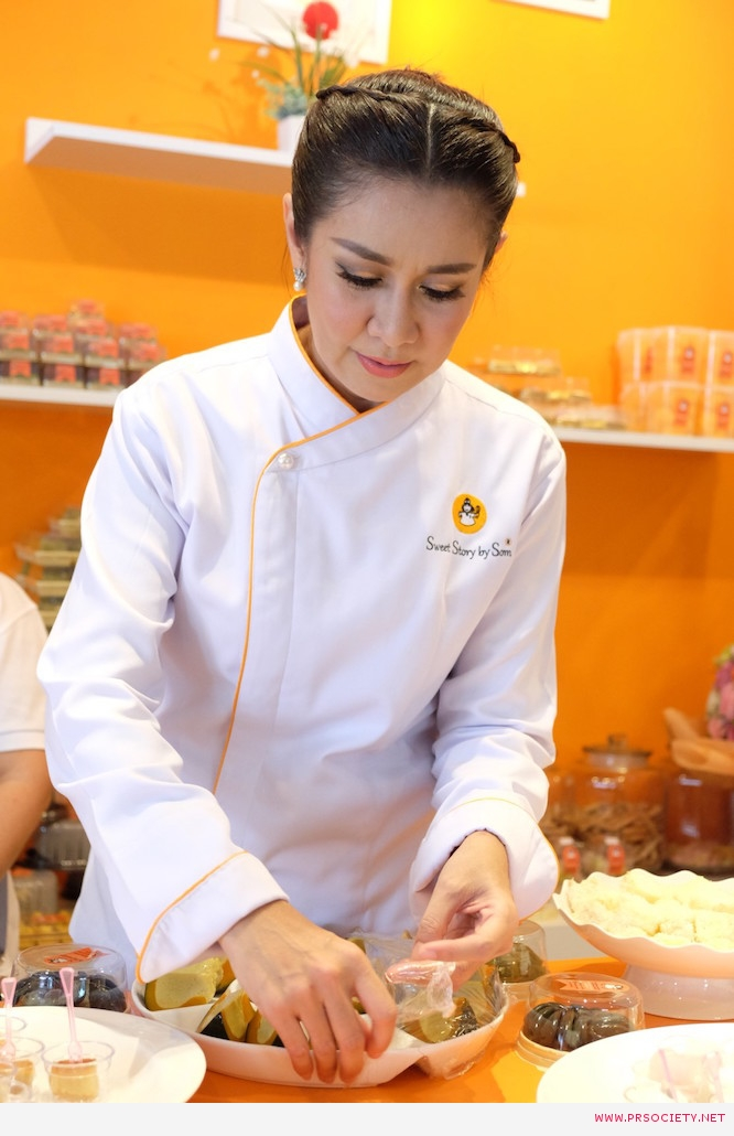 ส้ม ชนากานต์ ชัยศรี เปิดร้านบ้านส้ม  ขนมสวย (8)