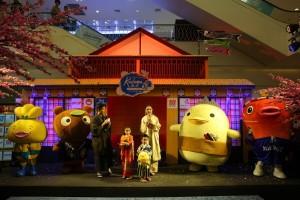 คุณกบ – สุวนันท์, น้องณดา และ   น้องณดล ปุณณกันต์ ร่วมงานThe Mall Shopping Center Kodomo No Hi 2017 (7)