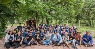 ผู้บริหาร ศิลปิน คณะอาจารย์และนักศึกษาร่วมปลูกป่า