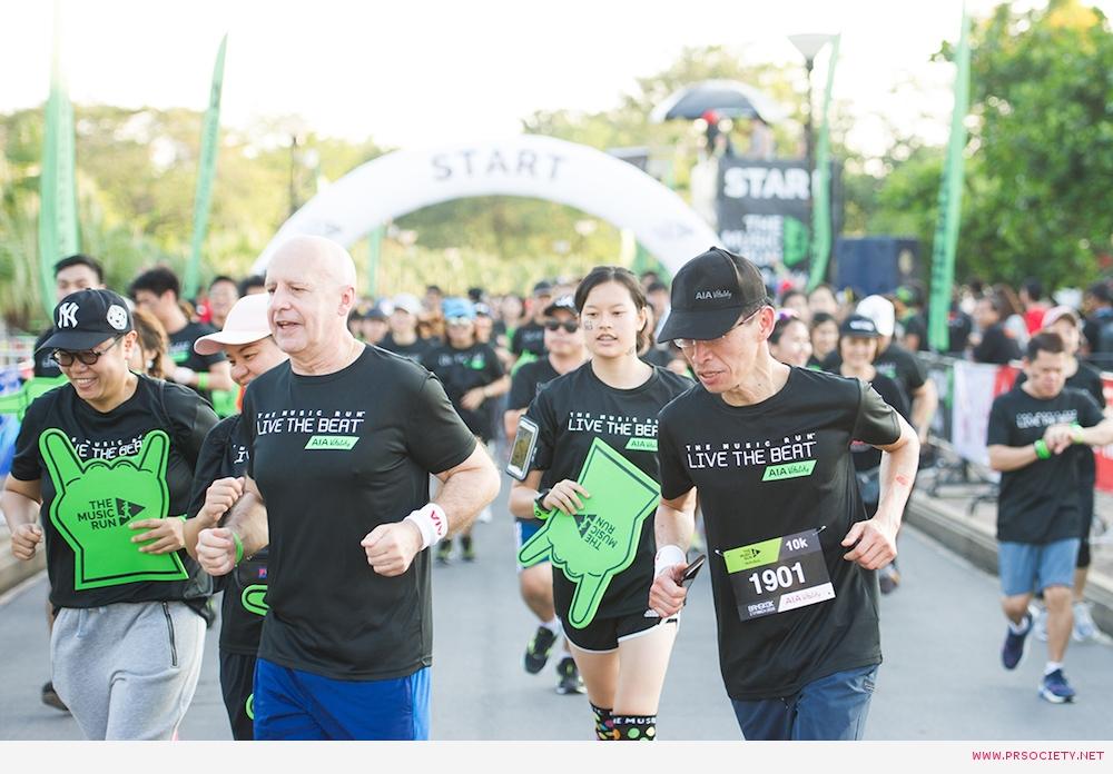 มร.ตัน ฮาค เลย์ ประธานเจ้าหน้าที่บริหาร เอไอ ประเทศไทย ร่วมวิ่งในงาน The Music Run by AIA Vitality