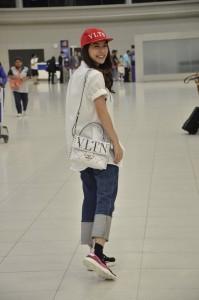 9. มิว Airport Look
