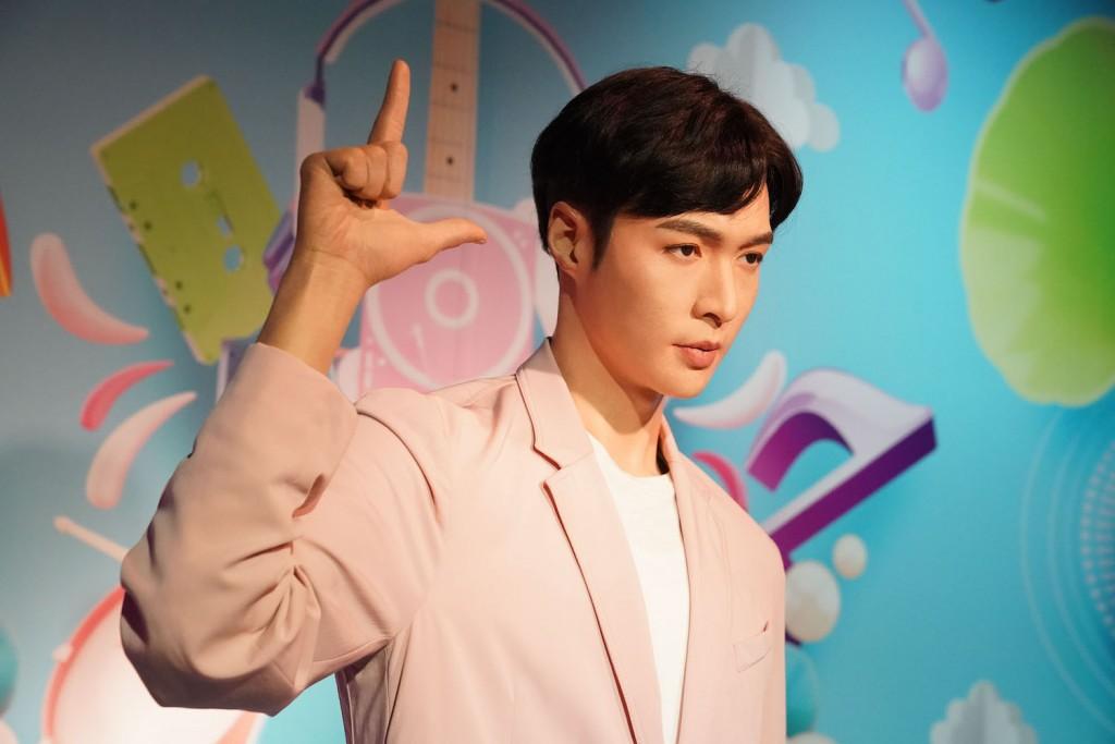 MTBK_Lay Zhang (7)