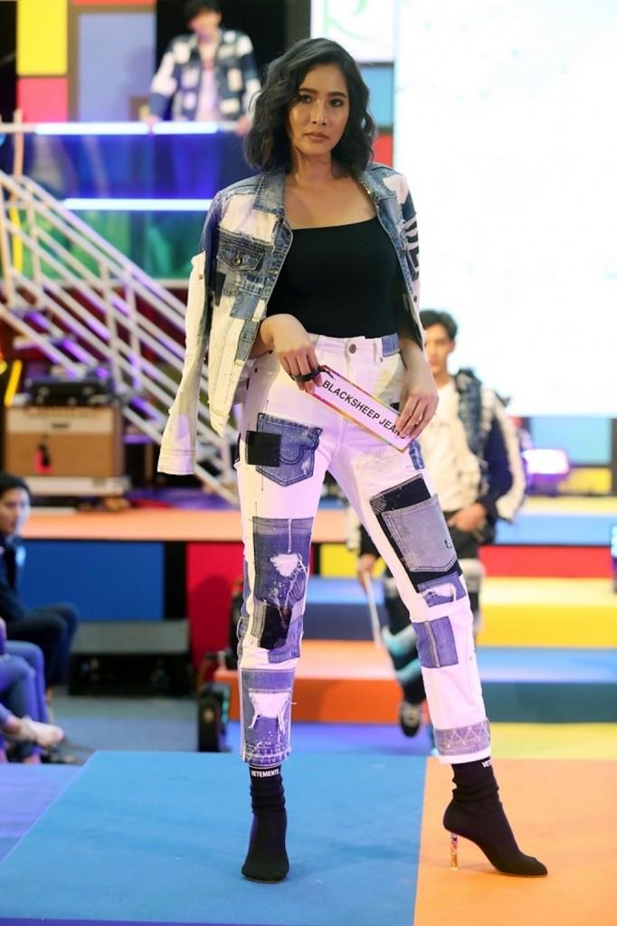 แพง ภิชาภัช จาก Blacksheep Jeans (Diamond)