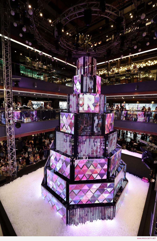 10.ต้นคริสต์มาสมัลติมีเดียสุดล้ำ ในงาน Siam Center The Magical Playground Celebration 2020