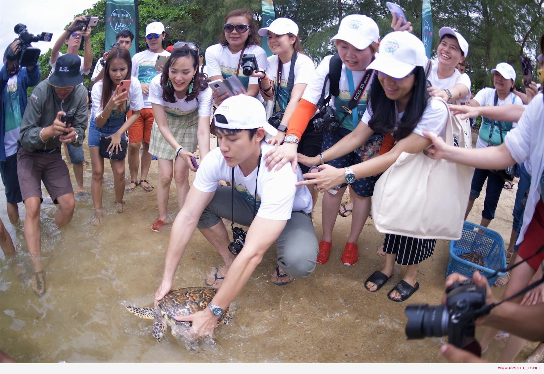 42 กิจกรรมปล่อยเต่าทะเล (4)