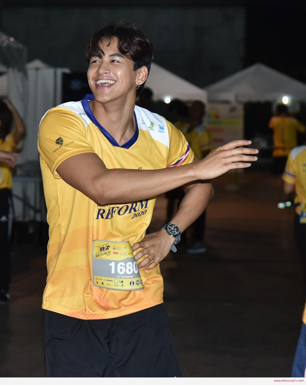 หนุ่ม ๆ เดอะเฟซเมนไทยเเลนด์ วอร์อัพก่อนวิ่ง 5 โล (1)