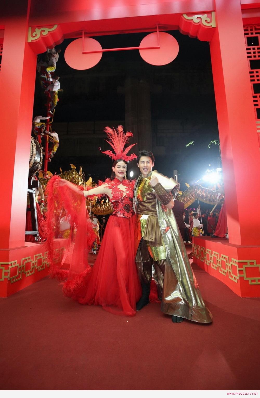 3.หมาก-คิมเบอร์ลี่ ฉลองเปิดตรุษจีน ห้างเซ็นทรัล