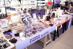12.หลากผลิตภัณฑ์ใน Strong in Style