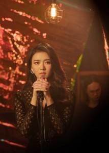 แพรวา MV เพลงเจอกันก็พัง ห่างกันก็ร้าย_6