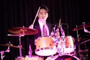 คริส drum show